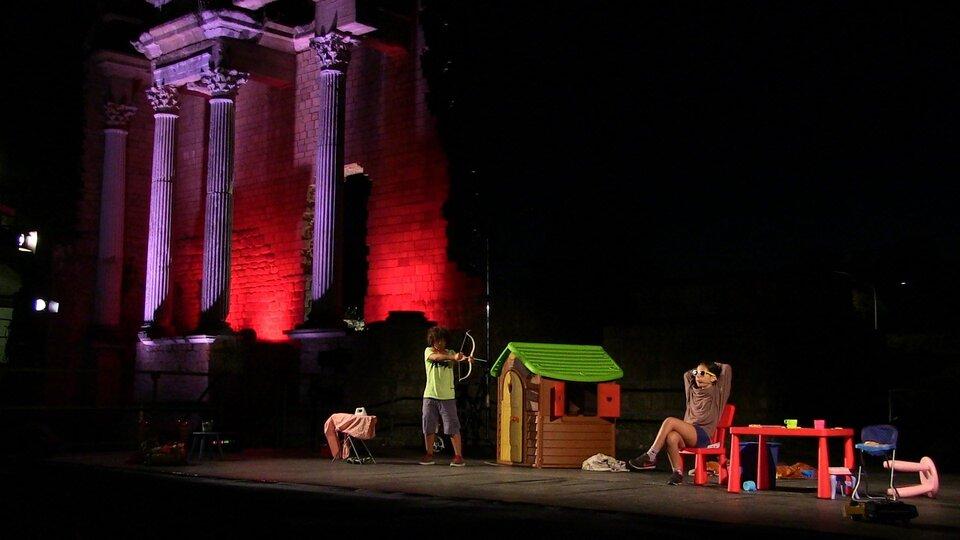 scenamadre anfiteatro romano di volterra